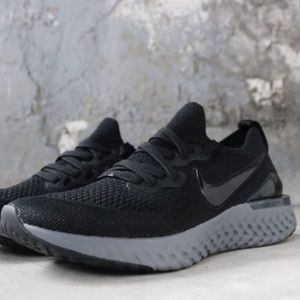 ✔️ New✔️ NIKE Epic React Flyknit 2 GS ~ 6.5Y